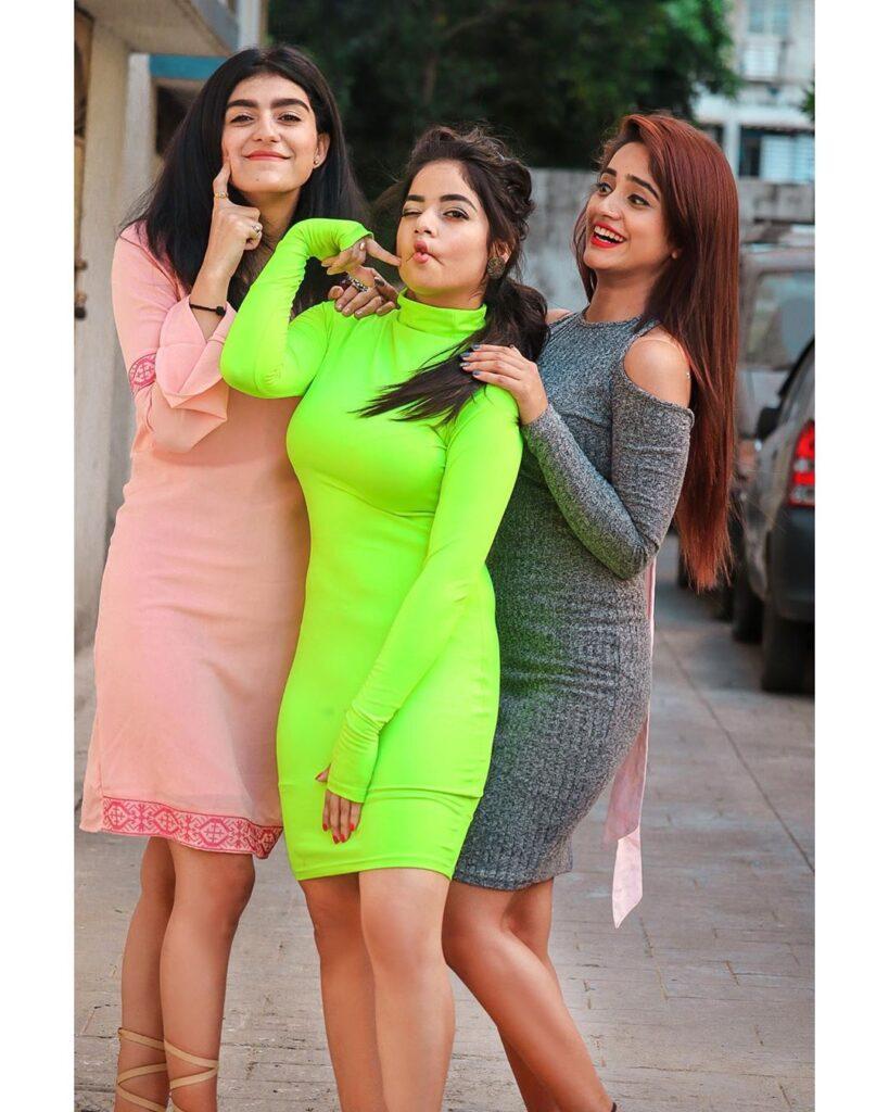 Nisha Guragain & her Best Friend Adorable Moments